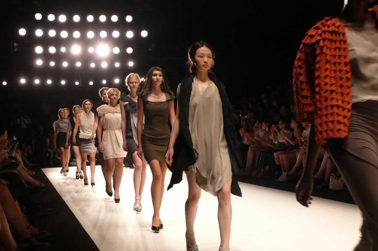 Berlin Fashion Week. Bild via Joachim Schirrmacher.